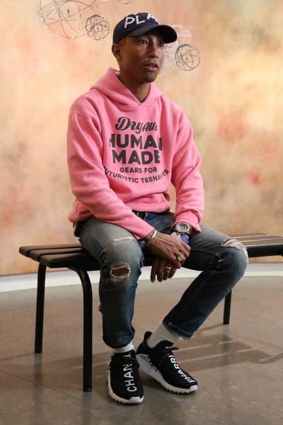 ファレル・ウィリアム自らが着用する世界で一足だけの Pharrell x Chanel x adidas Originals Hu NMDをチェック pharrell williams シャネル アディダス オリジナルス hypebeats ハイプビースト カスタマイズ 手書き メッセージ colette コレット