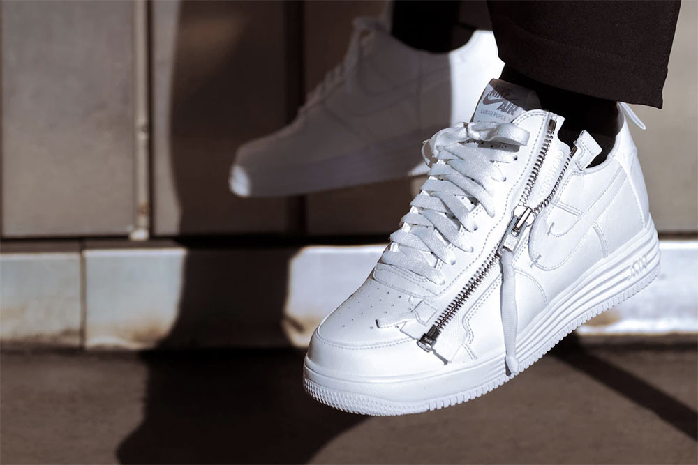 "Air Force 1の35周年記念プロジェクト""AF-100""が遂に始動 見逃したくない今週のリリースアイテム 8 選 Alexander Wang by adidas Originals アレキサンダー ワン アディダス オリジナルス KITH x Moncler キス モンクレール  NEIGHBORHOOD x Core Jewels ネイバーフッド  Nike Air Force 1 ACRONYM Just Don Roc-A-Fella ナイキ エアフォース 1 アクロニウム ロッカフェラ ロックアフェラ スニーカー Supreme The North Face TNF シュプリーム ザノースフェイス 発売 販売 値段 価格 プライス リリース HYPEBEAST ハイプビースト"