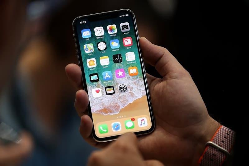 iPhone の販売台数が1日に100万台以上を記録していることが明らかに アイフォーン アイフォン アイホン apple アップル スマホ iphone x iphone8 8 plus エイト テン プラス 売り上げ 株価 ストック ハイプ ビースト hypebeast