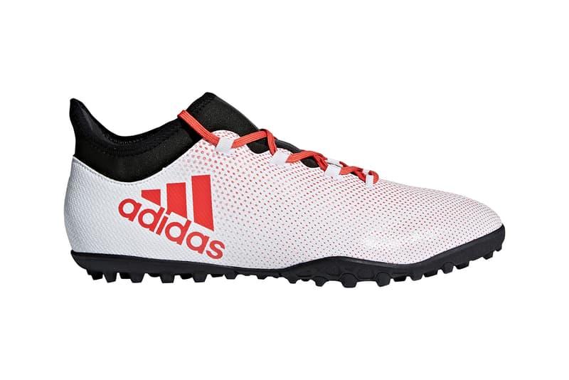 """adidas Football が凶暴性を隠し持つ新パッケージ """"COLD BLOODED PACK"""" を発表  メッシやポグバらが着用する現代サッカーの代表作からオンコートとオフコートの架け橋となるストリートモデルが多数登場  スポーツとして規模は言わずもがな、サッカーという歴史ある競技は今、ストリートでも非常に重要なものとして捉えられている。ファッションとのクロスオーバーという観点において、キーブランド的役割を担う〈adidas Football(アディダス フットボール)〉は、〈Gosha Rubchinskiy(ゴーシャ ラブチンスキー)〉とのコラボレーションはもちろん、東京でも渋谷vs原宿という構図で3vs3のフットボールバトル「PREDATOR presents TANGO LEAGUE SHIBUYA vs HARAJUKU」を開催するなど、『HYPEBEAST』読者の中にも彼ら経由で""""サッカーの新たな捉え方""""について感じ、考えている人が数多く存在するのではないだろうか。  その〈adidas Football〉がランダムな凶暴性を隠し持ち、ライバルを近寄らせない新パッケージ""""COLD BLOODED PACK""""を発表。本シリーズではしなやかなボールタッチを提供する""""COPA""""、瞬時のボールコントロールでピッチを支配する""""PREDATOR""""、縦に斬りこむプレーヤーに異次元のスピードを提供する""""X""""、一瞬で試合を決めるアジリティプレーヤーのための""""NEMEZIZ""""、この全4型のモデルが攻撃的なカラーウェイでメイクオーバーされている。  """"COLD BLOODED PACK""""からはプロ仕様を筆頭にパフォーマンスタイプも登場するが 、オンコートとオフコートの架け橋となるストリートモデルも多数ラインアップ。各限定プレミアムモデルは、1月25日(金)18時より『アディダス オンラインショップ』にて先行発売が開始されているので、気になる方はお早めに。  また、『HYPEBEAST』では""""日本を代表する意味""""とロシアW杯のユニフォームコンセプトである""""勝色""""の真意が伝わる特別ドキュメンタリー""""勝色MOVIE / THE NEW STORY""""のフルver.を独占公開しているので、是非チェックしてみてほしい。"""