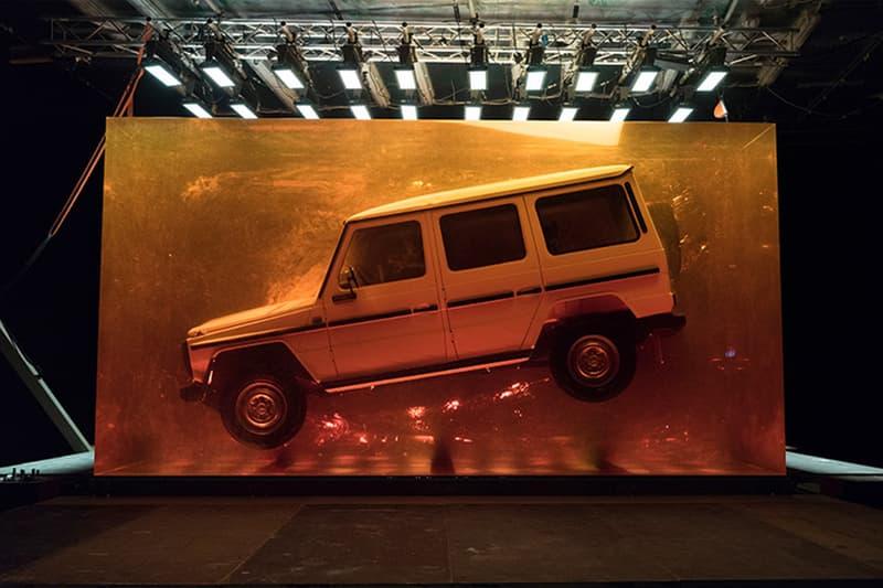 Mercedes-Benz が一時代の終止符を打べく1979年製Gクラスまるごと化石化 映画『ジュラシック・パーク』の世界を彷彿とさせるこのアート作品の総重量は44.4トン Mercedes-Benz メルセデス・ベンツ 新型Gクラス ジュラシック・パーク HYPEBEAST ハイプビースト
