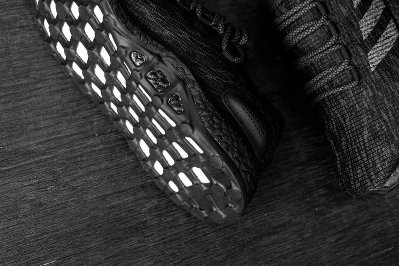 """adidas PureBOOST にモードな空気感を纏った """"Triple Black"""" が登場 本格志向のシティランナーから絶大な人気を博す逸品が年中無休の万能カラーにアップデート adidas アディダス 布の魔術師 山本耀司 Y-3 ワイスリー 2017年ホリデーコレクション PureBOOST BOOSTフォーム ミッドソール ストレッチウェブアウトソール サーキュラーニットアッパー オールブラック Triple Black Sneaker Politics ベルギー Raf Simons ラフ・シモンズ adidas by Raf Simons HYPEBEAST ハイプビースト"""