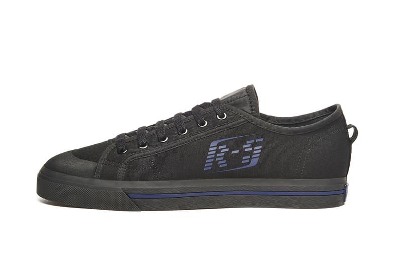 """adidas by Raf Simons 2018年春夏フットウェアコレクションの全ラインアップが判明 定番スニーカーを現代的にアップデートした""""ネオクラシック""""な新作モデルが続々登場 ベルギー Raf Simons ラフ・シモンズ adidas アディダス コラボ10シーズン目 adidas by Raf Simons Ozweego III オズウィーゴ 3 Detroit Runner デトロイト ランナー Replicant Ozweego レプリカント オズウィーゴ 中国語のテキストグラフィック Spirit Low Asymmetrical Tongue スピリット ロー アシメトリカル タン Stan Smith スタンスミス Adilette Checkerboard アディレッタ チェッカーボード 全23型 store.y-3.com Nike ナイキ Air Force 270 John Elliott ジョン・エリオット NikeLab ナイキ ラボ"""