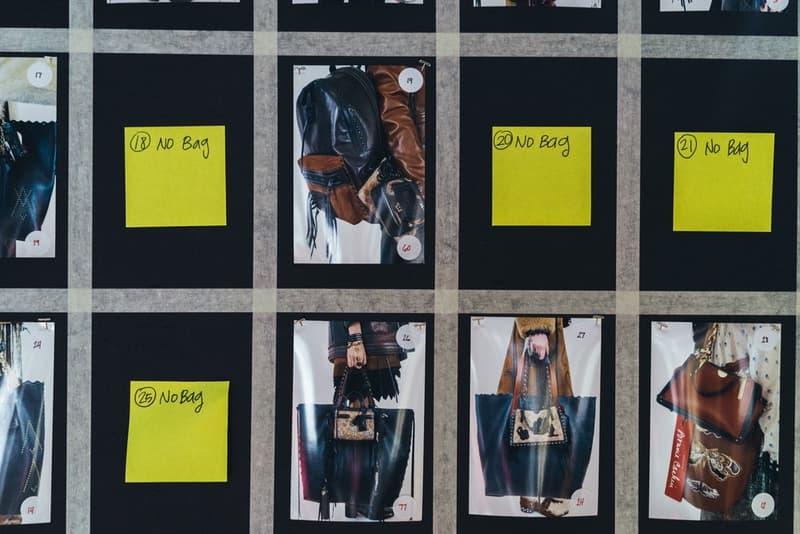 老舗ブランドの意地とプライドを賭けた COACH 2018年秋冬コレクションの舞台裏に密着 緊張感溢れるモデルたちが身に纏ったお揃いのモノグラム柄フーデッドパーカもチェック ニューヨーク・ファッションウィーク・メンズ NYFW COACH コーチ コレクションライン COACH 1941 2018年秋冬コレクション バックステージ Selena Gomez セレーナ・ゴメス GoldLink ゴールドリンク Joey Bada$$ ジョーイ・バッドアス アメリカーナラグジュアリー モノグラム柄 フーデッドパーカ カウボーイブーツ レザージャケット HYPEBEAST ハイプビースト