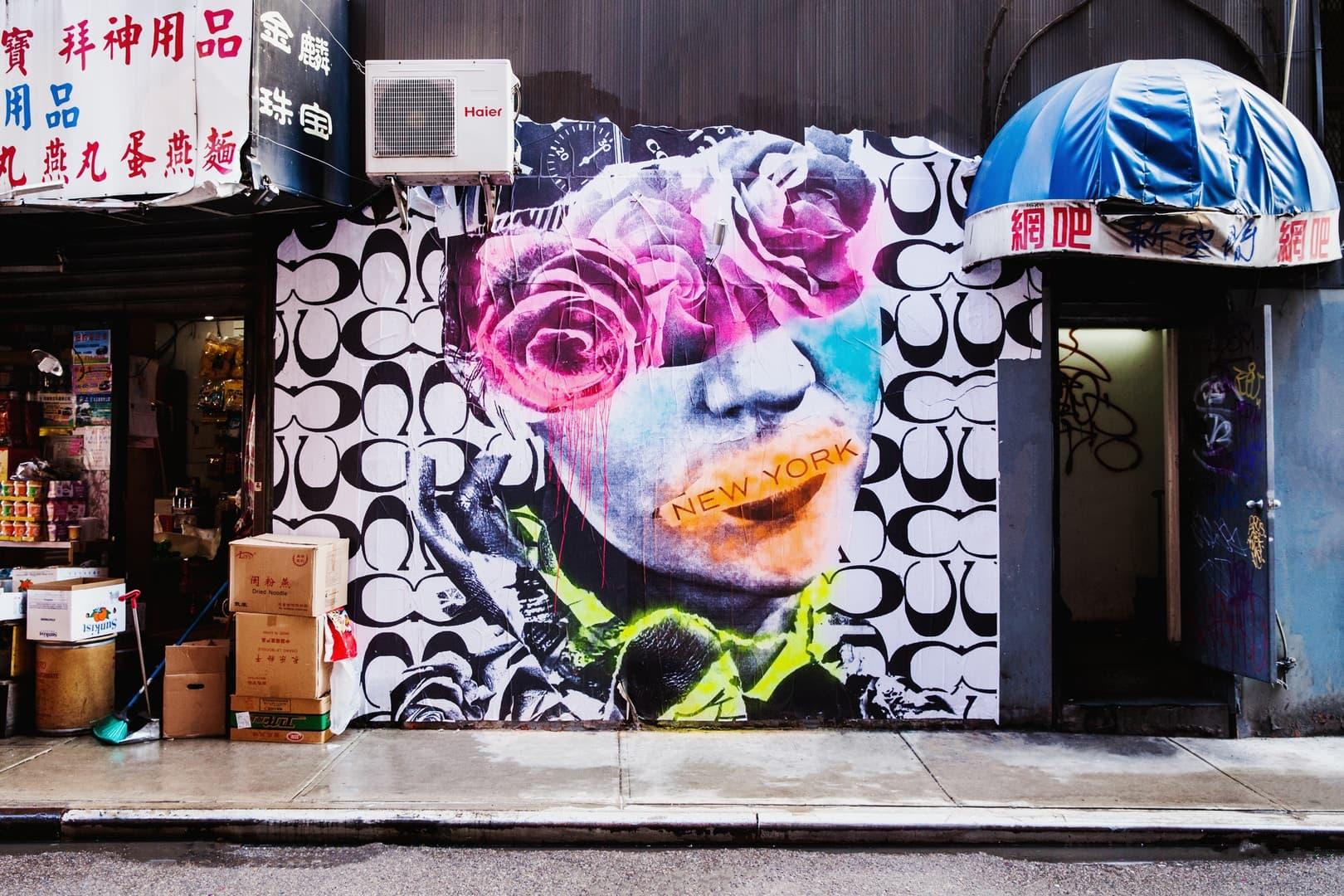 COACH が NY を代表するアーティストたちとコラボし計13点の圧巻の壁画を制作