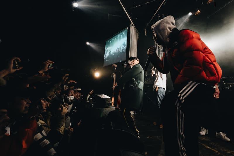 """KANDYTOWN、JP THE WAVY、tofubeatsらに加え、予想外のシークレットゲストも登場した超満員の神イベントをプレイバック KEIJU as YOUNG JUJUのソロメジャーローンチライブをフォトレポートとともにお届け 昨年末「ソニー・ミュージックレーベルズ」と契約を締結し、KANDYTOWNより初のソロメジャーデビューが発表されたKEIJU as YOUNG JUJUが1月28日(日)、その門出を祝うローンチパーティー""""KEIJU as YOUNG JUJU Presents """"7 Seconds"""" Supported by PIGALLE""""を開催した。舞台となった『SOUND MUSEUM VISION』は、開場直後から移動も困難なほどの超満員に。ライブは""""Get Light""""や""""Few Colors""""といったヒットソングからソロを含む全15曲をほぼノンストップで歌い上げたKANDYTOWNで幕を開け、そのバトンは""""KEIJU with FRIENDS""""セクションへの移行とともに、JJJ(Fla$hBackS)、YZEER & Vingo(BAD HOP)、JP THE WAVY、シークレットゲストとして出演したAwichへと繋がれる。その後、「好きなアーティストと聴きたい曲があるから」というアナウンスでステージに招かれたのは、現役高校生ながら卓越したヴォーカル力で頭角を表した新鋭女性R&Bシンガー、RIRI。さらには、リアルなリリックで聴く者を虜にする唾奇も沖縄より駆けつけ、そこに再びIOがカムバックし、アルバム『FACT OF LIFE』のオープニングソング""""Same As""""を披露してくれた。  休む間もなく、昨年最大のフロアヒットとなったtofubeatsの""""LONELY NIGHTS feat. YOUNG JUJU""""も飛び出すが、この時点でイベントはフィナーレと向かい、歩を進めていく。RyohuのDJが終わると、会場は暗転。すると、スタンド・マイクを携えたKEIJUが登場し、これまでのお祭り騒ぎとは一変、ややクールでファッショナブルな世界のヒップホップとシンクロするようなシリアスな音楽性を有しながら叙情的とも言えるライムなど新たな側面を提示し、その音楽の幅広さを見せる。そして、フィナーレにはシークレットゲストとして、このような舞台では滅多に見ることのできない清水翔太が。""""Drippin' feat.IO,YOUNG JUJU""""がこの日最大のサプライズに騒然とするオーディエンスを優しく包み込み、最高のグルーブ感をKEIJUが「これからも期待してよ」の一言で締めくくった。  KANDYTOWN、JJJ、YZEER & Vingo、JP THE WAVY、Awich、さらにはRIRI、唾奇、tofubeats、清水翔太。改めて今回の客演を列挙してみると、その豪華さ、そして現代ヒップホップ、R&Bシーンの日本における成熟さを感じざるにはいられない。また、「前の女の子が押されてかわいそうだから、あんまり押さないで」というKEIJUの紳士な一面や、彼をエンジニアとして支えるILLICIT TSUBOIの長年一緒に作業してきた日本語ラップの草分けであり、先日天国へと旅立ってしまったECDへの哀悼、そして亡くなってもなお盟友としてKANDYTOWNを支えるYUSHIへの感謝と愛など、彼の音楽からも感じ取れる優しい人間性も随所で垣間見える素晴らしい一夜だった。  断片的に表現された彼のポテンシャルの高さが、これからどのような形でメジャー・フィイールドにおける作品として開花していくのか、KEIJUの今後の活動にも注目が集まるが、ひとまず上のフォトギャラリーから神イベントとも評された当日の様子をチェックしてみてはいかがだろうか。  『HYPEBEAST』がお届けするその他の音楽情報は、こちらからご確認を。"""