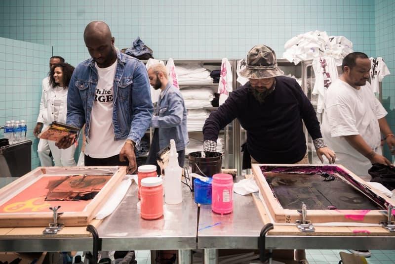 """ヴァージル・アブロー x 村上隆の最強コンビがコラボアート展覧会の開催をアナウンス  2018年1月末ごろよりお互いのSNS上に頻繁にその姿が登場し話題を集めていた、日本が誇る現代美術家の村上隆と〈Off-White™️(オフホワイト)〉を手がけるVirgil Abloh(ヴァージル・アブロー)という今のクリエイティブシーンを代表する最強コンビ。その両者のアイコニックなロゴやデザインを組み合わせたコラボグラフィックが落とし込まれたTシャツのビジュアルなどが大きな注目を集めていたが、今回その両者によるコラボプロジェクトの概要が遂に明らかになった。  VirgilがInstagramにアップしたのは、〈Off-White™️〉のアイコン的デザインであるスクエアアローの立体彫刻に、村上隆のアシスタントと思しき人々がグラフィックを描いていく風景を捉えた映像。その映像と共に投稿されたキャプション欄には両者によるコラボアート展覧会がロンドンの『Gagosian Gallery(ガゴシアン・ギャラリー)』にて、2月20日(現地時間)より開催されることが発表されており、映像に移っていた作品が""""times""""という題のものであることも明らかとなった。  まだ日時と会場、これまでInstagram等で散見されてきた一部の作品しか明らかになっていないVirgil Abloh&村上隆によるコラボアート展覧会であり、日本からは遠く離れたロンドンでの開催とあって足を運ぶことはなかなか難しいと思うが、『HYPEBEAST』でも新情報が判明次第お伝えしていくので、気になる方は情報をフォローしていこう。  Virgil自身が先日着用して公の場に現れたことによってそのデザインが判明した〈Nike(ナイキ)〉との新作コラボフットウェアについてもご確認を。"""