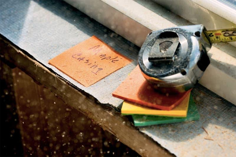 嵐でも数ヶ月間付着し続ける史上最強のポストイットが誕生 実際の耐久性を示すショートクリップも公式Instagramで公開中 3M スリーエム Post-It ポストイット Post-It Extreme Note ポストイット エクストリームノート Dura-Hold™️ペーパー コンクリート 木材 4.49ドル 約479円 HYPEBEAST ハイプビースト