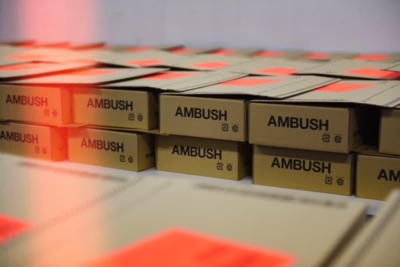 並々ならぬ情熱が直に伝わる AMBUSH 初のランウェイの舞台裏に密着