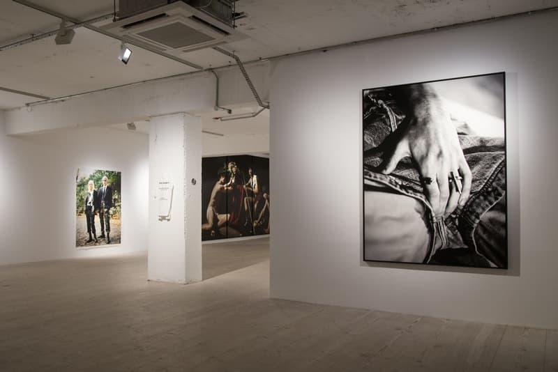 数多くのブランド広告を手がけるウィリー・ヴァンダーピエールの写真展に潜入 ラフ・シモンズの幼馴染の名カメラマンが撮りおろした30年間分の作品たちを一挙披露