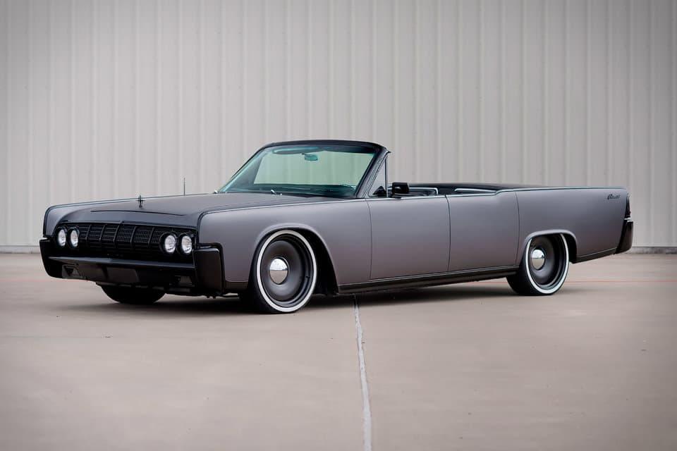 男のロマンそのものと言える Lincoln の1964年製オープン式コンチネンタル