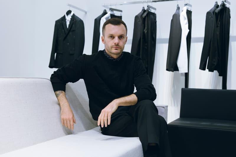 Berluti がクリス・ヴァン・アッシュのデザイナー就任を正式発表 ハイダー・アッカーマンの遺産を引き継ぐのはキム・ジョーンズに席を譲った〈Dior Homme〉の元アーティスティック・ディレクター