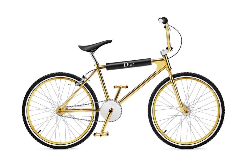 """Dior Homme より巧みなアイコン使いで古典的な要素をプラスした最新カプセルコレクション """"Gold"""" 〈Berluti〉への移籍が決定したクリス・ヴァン・アッシュによる最後のプロジェクトのひとつ Hedi Slimame エディ・スリマン Kris Van Assche クリス・ヴァン・アッシュ Louis Vuitton ルイ・ヴィトン Kim Jones キム・ジョーンズ Dior Homme ディオール・オム 2018年フォールシーズン カプセルコレクション Gold ゴールドカラー テーラードジャケット Christian Dior Atelier 3, rue de Marignan クリスチャン ディオール マリニャン通り3番地 ドレスシャツ ハンドバッグ エナメルシューズ サングラス HYPEBEAST ハイプビースト"""