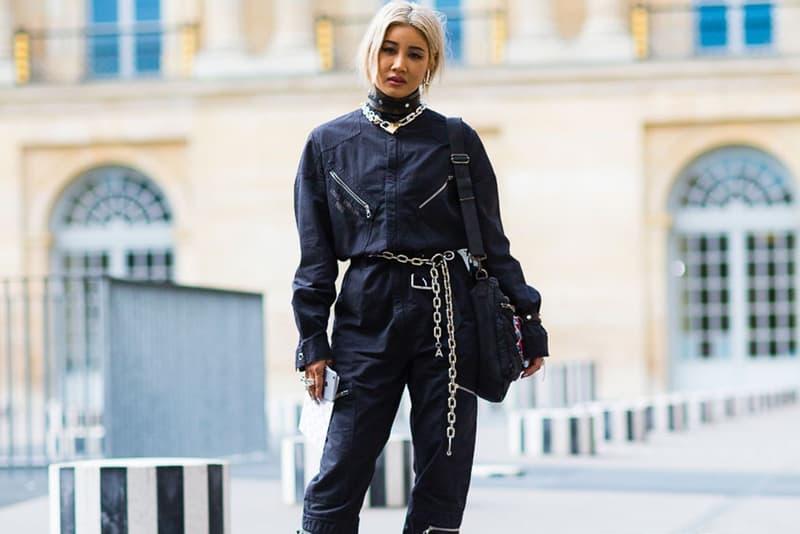 """AMBUSH® の YOON が Dior Homme の新ジュエリーデザイナーに就任 〈Dior〉を仕切るキム・ジョーンズも「僕たちの新たなジュエリーデザイナーの仕事初日だ」とYOONを歓迎 2017年の「LVMH Prize」ファイナリストに選出され、その実験的かつ前衛的なクリエイティビティが世界に知れ渡ることになった〈AMBUSH®(アンブッシュ)〉のYOON(ユン)が、〈Dior Homme(ディオール オム)〉のジュエリーデザインを手がけることになったようだ。今季より同メゾンのアーティスティック・ディレクターに就任したKim Jones(キム・ジョーンズ)も本社に出社したYOONの姿をInstagramに投稿し、「僕たちの新たなジュエリーデザイナーの仕事初日だ」と""""新入社員""""を歓迎した。  YOONがデザインした各種アクセサリーは、今年6月に開催されるパリファッションウィークにおいてお披露目されることになるだろう。また、同シーズンからは〈AMBUSH®〉もパリでコレクションを発表する予定だ。  この機会に、""""AT TOKYO""""に参戦した〈AMBUSH®〉2018年秋冬コレクションの舞台裏の様子もチェックしてみてはいかがだろうか。"""