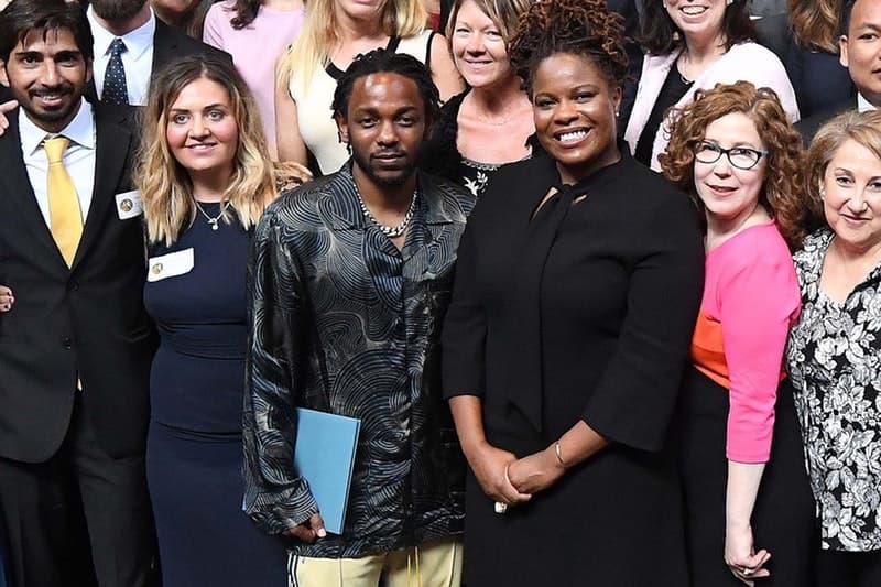 ラッパーとして初の快挙を成し遂げた Kendrick Lamar がピューリッツァー賞の授賞式に出席 コロンビア大学長もKung-Fu Kennyと『DAMN.』を大絶賛 ピューリッツァー賞 Pulitzer Prize Columbia University コロンビア大学 DAMN. Kendrick Lamer ケンドリック・ラマー Lee C. Bollinger リー・C・ボリンジャー HYPEBEAST ハイプビースト