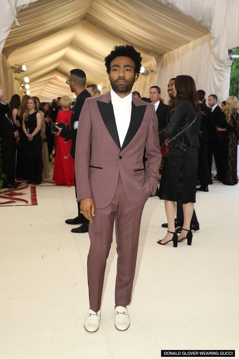 モードの祭典 MET Gala 2018 に来場したセレブリティたちを激写 〈Louis Vuitton〉の初見スーツに身を包んだヴァージル・アブローやカイリー・ジェンナーの腰に手を回し登場したTravis Scottら、各界のスターの着こなしをチェック Vogue Anna Wintour アナ・ウィンター MET Gala 2018 ファッション 音楽 エンターテイメント アート Maison Margiela メゾン・マルジェラ Rihanna リアーナ Louis Vuitton ルイ・ヴィトン Nike ナイキ Air Jordan 1 Virgil Abloh ヴァージル・アブロー Alexander Wang アレキサンダー・ワン Travis Scott トラヴィス・スコット Kylie Jenner カイリー・ジェンナー Chrome Hearts クロムハーツ Bella Hadid ベラ・ハディッド ブラックパンサー Chadwick Boseman チャドウィック・ボーズマン Gucci グッチ Alessandro Michele アレッサンドロ・ミケーレ Luka Sabbat ルカ・サバット HYPEBEAST ハイプビースト