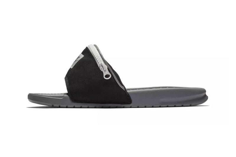 """Nike からベルトをまさかのジップ付きのポーチに改良した斬新な Benassi JDI が登場 足元にひとネタ仕込みたいという方は是非 夏になると頭角を表す〈Nike(ナイキ)〉のスライドサンダル、Benassi JDIから斬新すぎる新パッケージが登場。""""Fanny Pack""""とタイトルでもそのユーモラスなアプローチを宣言している本コレクションは、ブラック/グレーとともに夏に映えるビビッドな配色を採用し、サンダルのベルト部分がジップ付きのポーチへと改良されている。これによりスライドサンダルに若干の機能性が追加されたが、果たしてどのように使うべきなのか。容量を考えても鍵や小銭などが理想的かもしれない。  もし自分がコンビニやビーチサイドなどの店員で、お会計の際に片足立ちをしてサンダルから小銭を取り出すお客さんに遭遇したらと妄想すると……。Benassi JDI """"Fanny Pack""""は、まもなく〈Nike〉の取扱店舗にデリバリーされるとのこと。足元に小ネタを仕込みたいという方は、ブランドからのアップデートをお見逃しなく。  サンダルをお探しの方は、オリジナルレオパードを落とし込んだ〈SUICOKE(スイコック)〉x〈WACKO MARIA(ワコ マリア)〉のビーチサンダルや、ミリタリーな配色が購買意欲を駆り立てる〈Teva®(テバ)〉と〈PORTER(ポーター)〉のストラップ付きサンダルなどもあわせてチェックしてみてはいかがだろうか。"""