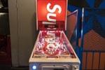 Picture of Supreme が遂にリリースした Stern 社とのコラボピンボール台をクローズアップ