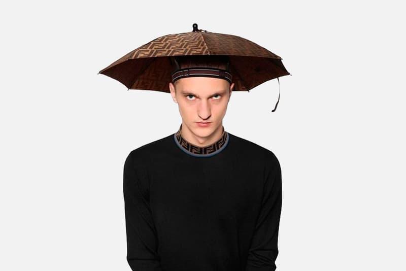 FENDI より傘とヘッドバンドを合体させた斬新な雨具が登場 梅雨時期に重宝しそうなアイデア商品を購入してみては? 2019年春夏コレクション FENDI フェンディ Fendi Headband Umbrella 雨傘 ヘッドバンド Luisaviaroma.com 470豪ドル 約38,000円 プレオーダー可能 HYPEBEAST ハイプビースト
