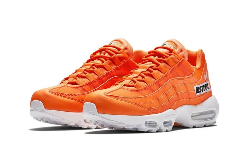 """Nike の """"Just Do It"""" 30周年記念パックにAir Max 95が追加 〈Nike〉を象徴するオレンジのシューズボックスを連想させる眩しい一足 〈Nike(ナイキ)〉のブランドスローガン""""Just Do It""""の誕生から30周年を迎える今年、メモリアルイヤーを祝う特別仕様のAir Max 1については度々取り上げてきたが、そのスペシャルリリースに今度はAir Max 95が参戦する模様。  AM 95といえば、人体構造からヒントを得たアッパーデザインが有名であるが、今シューズではOGモデルに見られるようなグラデーションは影を潜め、代わりに〈Nike〉のシューボックスのカラースキームであるアイコニックなオレンジがアッパー全体を覆い、サイドには""""Just Do It""""のタグが縫い付けられている。現在のところリリースに関する情報は一切確認できていない。上のフォトロールからビジュアルをチェックしつつ、今後の〈Nike〉からの続報に期待しよう。  全6色のウーブンアッパーで構成されたAir VaporMax Innevaの新色や、ベルトをジップ付きのポーチに改良した斬新なBenassi JDIなど、〈Nike〉に関連するその他のニュースもあわせてご確認を。 HYPEBEAST"""