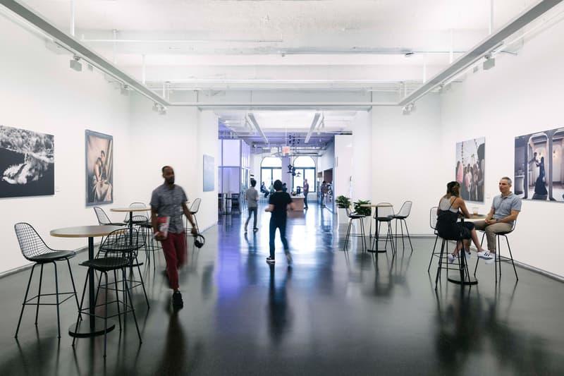 """Instagram がマンハッタンのど真ん中に構えた第2の新社屋を公開 まさに""""インスタ映え""""なスペースが盛り沢山 Instagram Facebook フェイスブック Wanamaker's Department Store 旧ワナメーカーズ百貨店 新社屋 カナダ トロント Frank Gehry フランク・ゲーリー インスタ映え ダイクロイックガラス ライブラリースペース 防音室 290名 HYPEBEAST ハイプビースト"""