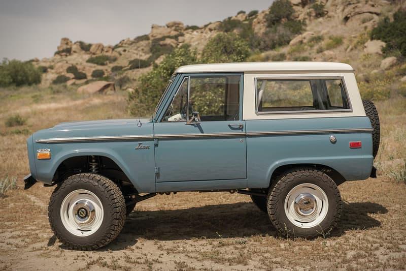 Ford の初代 Bronco をベースにヴィンテージ感と現代的機能を同居させたオフローダー Old School BR スポーツとレンジャー感を共存させたオリジナルシャーシの下にはマスタングのV8気筒エンジンを搭載 ロサンゼルス郊外に拠点を置く「ICON(アイコン)」は、「TOYOTA(トヨタ)」のLand Cruiser(ランド クルーザー)のカスタムビルディングなどでその名を馳せ、セレブたちからの要望も鳴り止まない米国屈指の人気工場である。その「ICON」より「Ford(フォード)」が誇るオフローダーの名車、Bronco(ブロンコ)を現代的にアップグレードした新たなオールドスクールモデルが登場。「ICON」の創設者/リード・デザイナーのJonathan Ward(ジョナサン・ワード)は1966〜77年に生産された初代Broncoをベースに採用したOld School BRについて、「よりレトロにするというアイディアが源だ」とコンセプトを語る。ヴィンテージ感を醸すシャーシは、「Art Morrison(アート・モリソン)」のオリジナル。また、同社からはサスペンションとブレーキの提供も受けている。これを基に「プラスチックは一切使用しない」という「ICON」の哲学を踏襲することで、スポーツ、エクスプローラー、レンジャー感を巧みに表現することに成功した。また、ボンネット下には、「Ford」の代名詞であるMustang(マスタング)から5.0リッターV8気筒エンジンを拝借。これにより、パワーという性能面でもドライバーの欲求を満たしてくれることだろう。  そんなOld School BRのデザインは、上のフォトギャラリーから。また、ヴィンテージカーがお好きな方は、1961年製の幻のオープンカー Plymouth Asimmetrica Conceptもチェックしてみてはいかが?