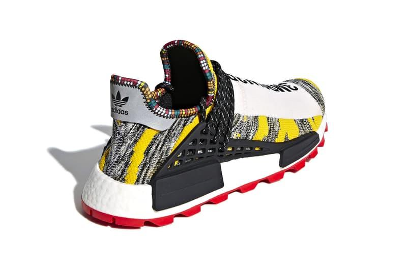 """Pharrell x adidas Oringinals NMD Hu """"Solar"""" の発売日が決定 トライバルな仕上がりが魅力的な全2色がまもなく市場に登場 Pharrell Williams(ファレル・ウィリアムス)と〈adidas Original(アディダス)〉がCrazy BYW """"Ambition""""に引き続き、NMD Hu """"Solar""""パックをリリースする。  トライバルな雰囲気を醸す本作は、立体感のあるグレイ/イエローのアッパーに眩しい赤色のアウトソールが映える一足、そして同じくグレイにターコイズブルーを差し込み、オレンジのソール&シューレースがアクセントをプラスした一足の全2色展開。アンクル部分を飾るマルチカラーのディテール、自由度の高いウェーブロープレース、締まりを加えるシルバーのヒールタブ、そしてパキっとしたホワイトのフルレングスBOOST™️ソールなど、見応えに富んだ仕上がりは、Pharrellのアイデンティティの象徴と言っても過言ではない。  NMD Hu """"Solar""""パックは、8月18日(現地時間)より〈adidas〉の一部取扱店舗にて発売開始とのことなので、気になる方はカレンダーのマークをお忘れなく。  ちなみに、N.E.R.D(エヌ.イー.アール.ディー.)の「FUJI ROCK FESTIVAL '18」出演を記念した国内限定モデル、PW Hu NMD NERDの詳細はもうチェックした?"""