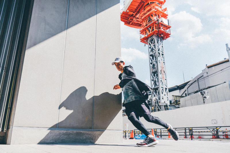 シティランスタイルの新境地を切り開く adidas PureBOOST GO のオリジナルフォトストーリー 渋谷の街に潜むスリルと興奮をオンオフ双方のファッションスタイルで『HYPEBEAST』が激写 adidas running アディダス ランニング PureBOOST GO ピュアブースト ゴー ストリートランニング サーキュラーニットアッパー BOOST™フォーム ワイドラバーアウトソール 13,000円 アディダスオンラインショップ adidas Runners of Tokyo HYPEBEAST ハイプビースト
