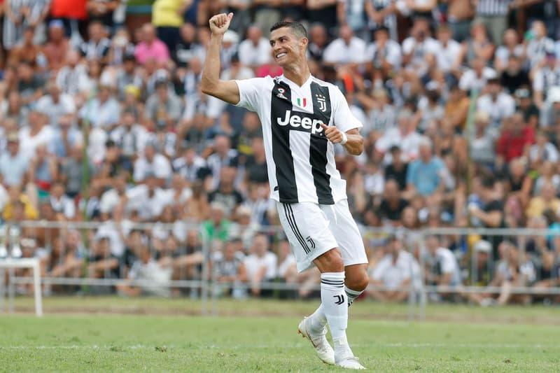"""クリスティアーノ・ロナウドがレアルからユヴェントスに移籍した理由を告白 CR7が人生で初めての出来事だったと語る""""ユヴェントス・スタジアムで見た景色""""とは…… 『DAZN(ダゾーン)』初のグローバルアンバサダー就任にしたCristiano Ronaldo(クリスティアーノ・ロナウド)が、同スポーツ専門のチャンネルのインタビューの中で、今夏にレアル・マドリードからユヴェントスに移籍した理由を明かした。  「僕もこのチームでプレイするなんて思ってもいなかったよ。でも、物事は自然に起こりうるものだし、僕にとってこの決断は簡単なものだったんだ。レアルで成し遂げたことは素晴らしいことで、僕は全てを勝ち取り、家族は今もあそこに住んでいる。でも、それはもう過去のことだからね」、そう語るスーパースターの心を動かしたのは一体何だったのだろうか。「結局は小さなことが大きな違いを生み出したんだ。僕がユヴェントス・スタジアムで見た景色が移籍を後押ししたことは間違いないよ。ユヴェントスのファンが僕に拍手を送ってくれた時は、本当に感慨無量だったね」。サッカー好きの方はご存知のはずだが、""""拍手を送ってくれた時""""とは、レアルが2連覇を成し遂げた昨季のチャンピオンズリーグで、CR7がユヴェントス相手にセンセーショナルなオーバーヘッドでゴールを決めた際のことを指している。名手Gianluigi Buffon(ジャンルイジ・ブッフォン)でさえ1歩も動けなかったその一発に、ユヴェントスのファンは総立ちでRonaldoのゴールを讃えたのだ。  彼は続けて、「僕の人生で初めての出来事だったから、本当に驚いたよ。信じられない瞬間だったんだ。僕はこのクラブで新たなストーリーを書きたいと思っている。ユヴェントスでチャンピオンズリーグを制覇し、みんなと共に全てを勝ち取りたいんだ。僕たちはチームメイトと共にそれを目指すけど、それにとらわれ過ぎることもないよ。もしそれが今年か、来年か、再来年になるかはわからないけれど、一歩ずつ歩を進め、どうなるか見てみよう」と新天地での意気込みを語っている。  『HYPEBEAST』がお届けするその他のフットボールニュースは、こちらからご確認を。"""