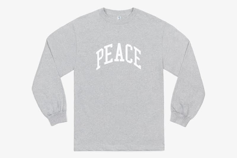 カナダの気鋭フォトブログ『JJJJound』よりスクールライフを呼び覚ますカレッジTシャツが登場 ド定番のテキストグラフィックを胸元に配した万能品を2色展開でローンチ カナダ モントリオール Justin Saunders ジャスティン・サンダース フォトブログ JJJJound ロングスリーブTシャツ Alstyle Apparel Activewear アルスタイル アパレル アクティブウェア PEACE テキストグラフィック アメカジ HYPEBEAST ハイプビースト