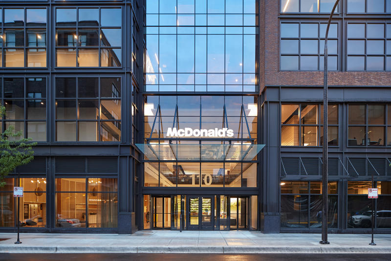 McDonald's HQ Burger university Chicago fast-food food burgers franchise branding school sandwich architecture design buildings offices space Gensler Interior Architects O+A Studio