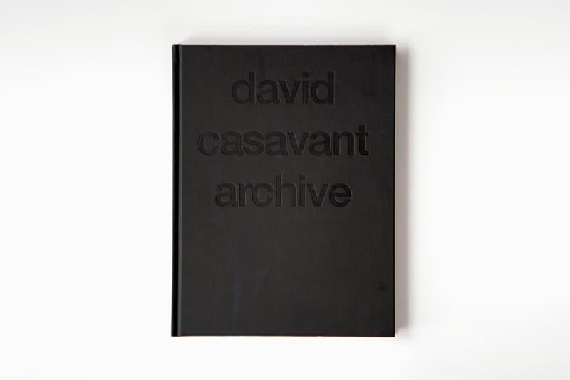 Raf Simons や Helmut Lang の超激レアなアーカイブに焦点を当てたフォトブックが発売 ラフ シモンズ ヘルムートラング カニエ・ウェスト リアーナ トラヴィス スコット ファレル