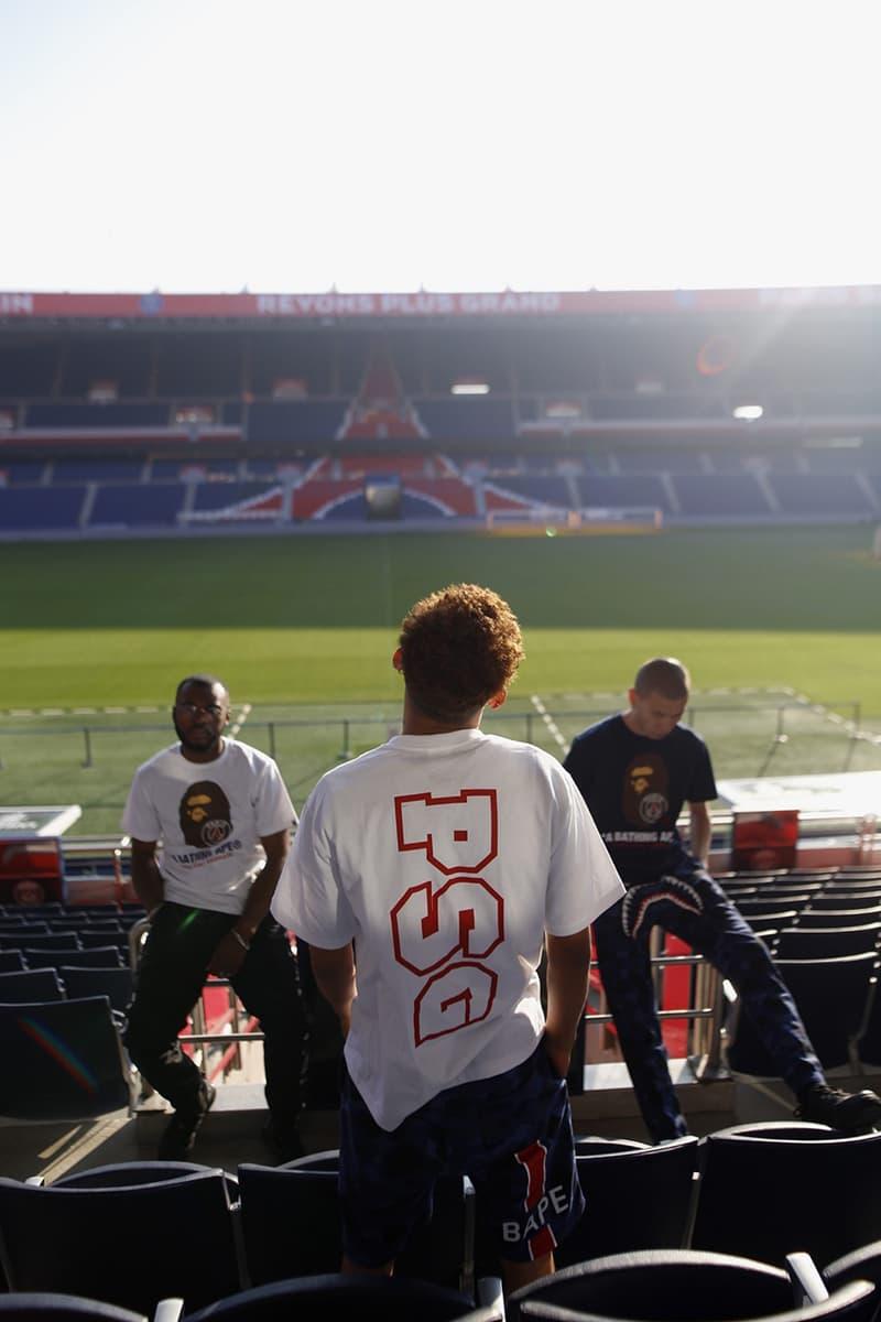 パリ・サンジェルマン ベイプ PSG BAPE A BATHING APE 発売日 オンライン 価格 コラボ ダウン Tシャツ パンツ フーディ