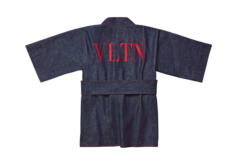"Valentino 2019年プレタポルテコレクションの東京開催を記念した ""VLTN"" 限定カプセルコレクション  『GINZA SIX』内のフラッグシップストアにて店頭販売される主役級アイテムと粋なガジェット群をチェック"
