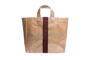 COMME des GARÇONS が Gucci や Burberry といった数々のブランドを迎えたマルチコラボコレクションを発表