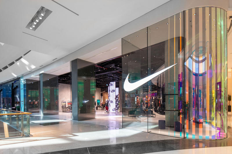 ナイキ ドバイ ニューオープン 新店舗 Nike Dubai Middle East Flagship Nike DXB Dubai Mall