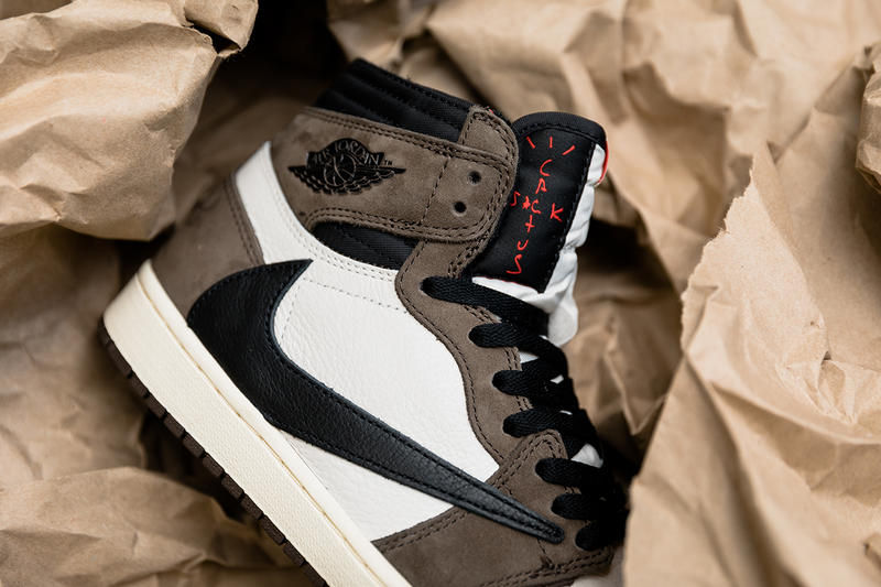 トラヴィス・スコット AJ1 エアジョーダン 1 ナイキ travis scott air jordan 1 retro high og closer look 2019 april footwear jordan brand collaborations cactus jack brown white black red ankle pocket