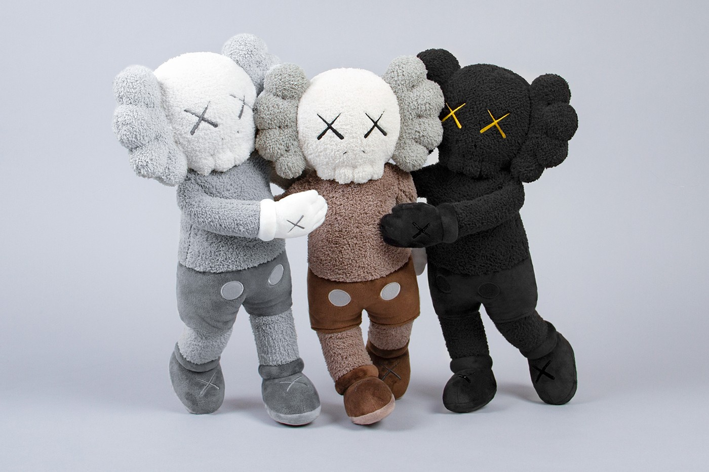 カウズ 香港 Kaws Holiday Hong Kong Installation