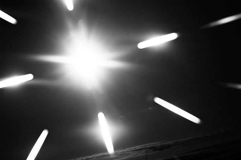 HOMME PLISSÉ ISSEY MIYAKE 2019年秋冬コレクション オムプリッセ イッセイミヤケ プリズム 虹 モード アート