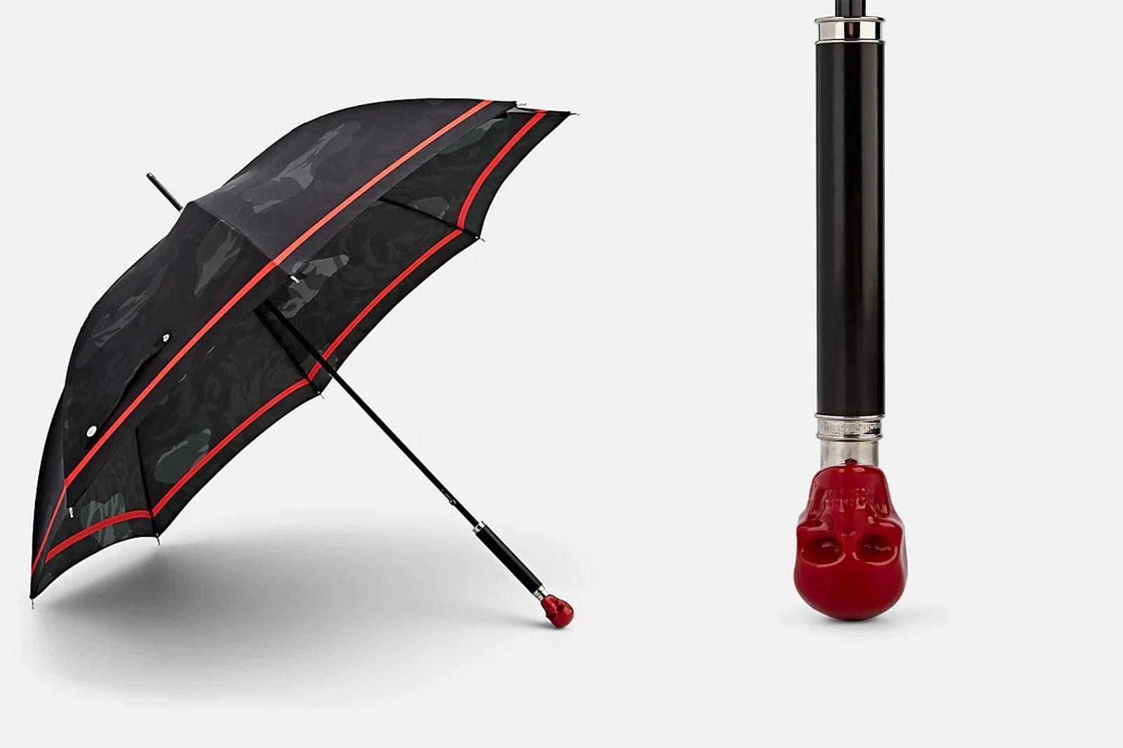 梅雨を乗り切る HYPE なレイングッズ 13 選 ポンチョ レインコート 傘 ナイロンパンツ レインブーツ