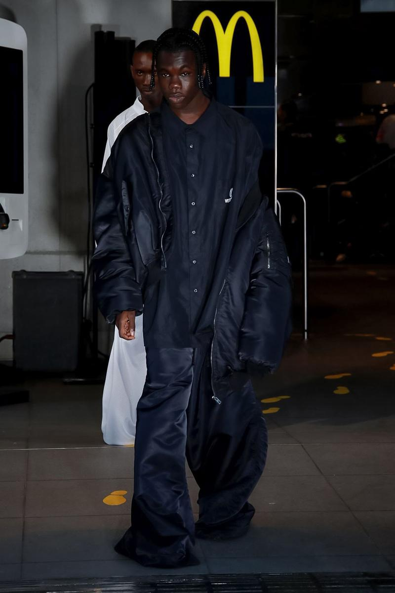 ヴェトモン Vetements デムナ Spring/Summer 2020 Runway Collection presentation ss20 paris fashion week pfw demna gvasalia