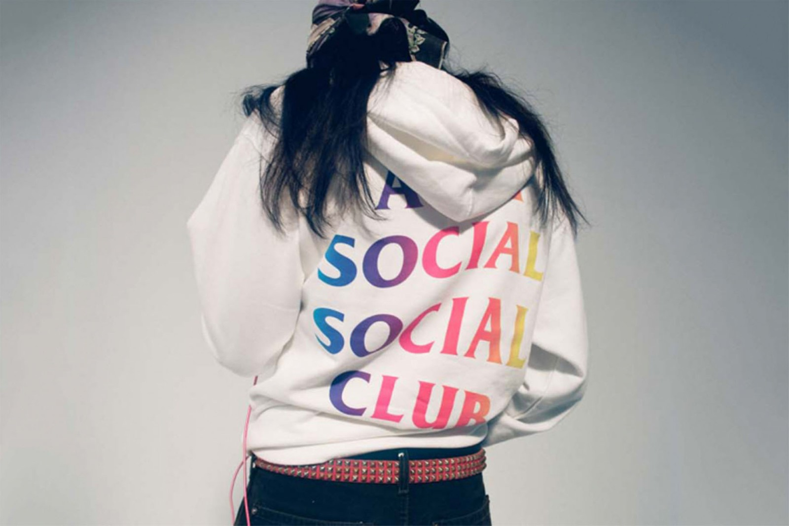 LOOKBOOK ANTI SOCIAL SOCIAL CLUB SUPREME CRESSI BEAMS SPEEDO CALI THORNHILL DEWITT GUILLAUME BERG AKIRA KATSUHIRO OTOMO KOSUKE KAWAMURA NANA-NANA AKIRA ART WALL NIKE NIKE ACG NIKE ACG AIR SKARN STUSSY DOVER STREET MARKET EDITORIALS CACTUS PLANT FLEA MARKET DOVER STREET MARKET LOS ANGELES