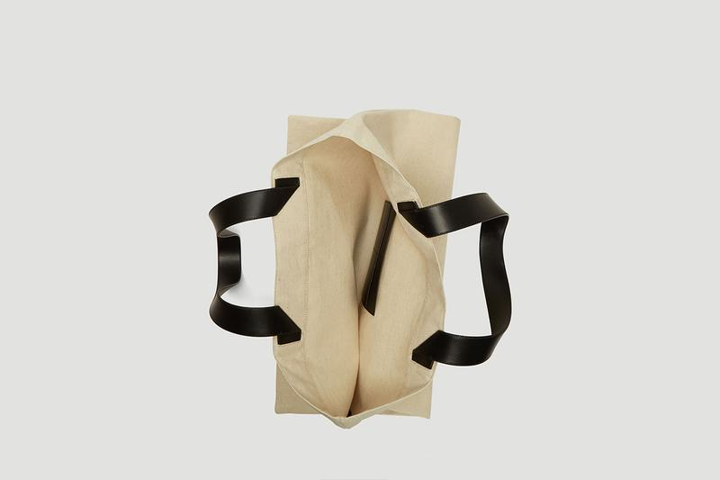 ジル サンダー Jil Sander Releases Oversized Flat Canvas Tote Bag キャンバス トートバッグ