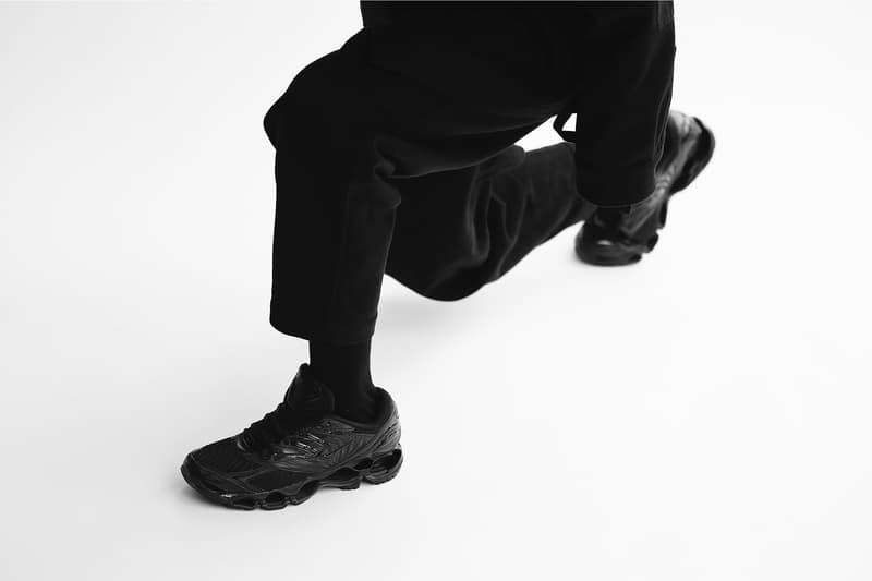 MIZUNO ミズノ ウェーブ プロフィシー WAVE PROPHECY 8 オール ブラック モデル リリース