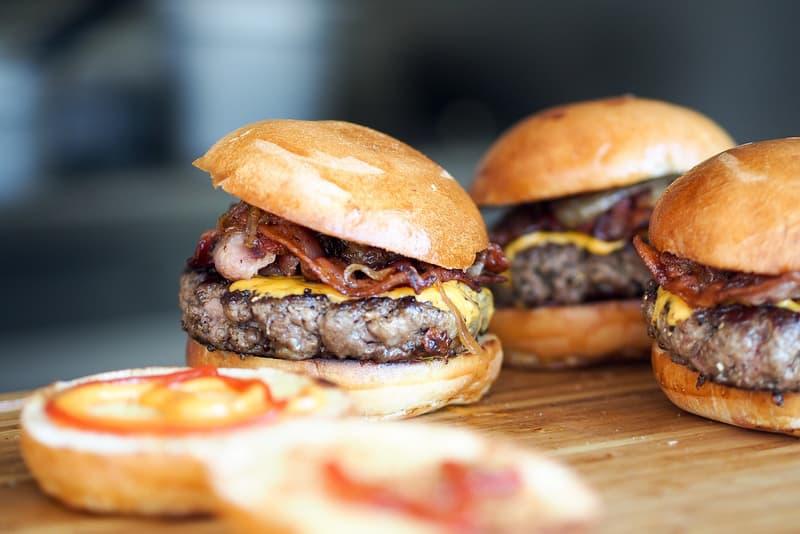 America アメリカ 人気 ファストフード Favorite Burger Survey Market Force Information チーズ ハンバーガー Cheeseburger Fast Food Chain  全米で最も愛されるハンバーガーチェーン