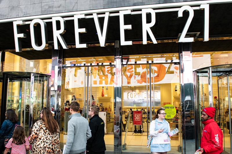 Forever 21 Filing 米 ファスト ファッション 大手 Bankruptcy Chapter 11 Fast Fashion Investors Shopping Malls Simon Property Group Inc
