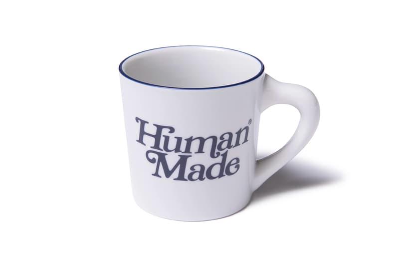 ヒューマンメイド ガールズドントクライ HUMAN MADE Girls Don't Cry  ネイビーブルー ホワイト パーカ Tシャツ サコッシュ トートバッグ キャップ ソックス コンテナケース キーホルダー iPhoneケース バッジ マグカップ メルカリ ヤフオク