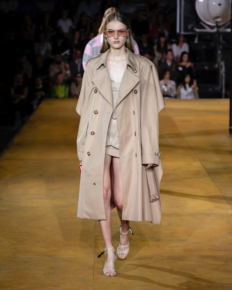 バーバリー Burberry 2020年春夏コレクション Riccardo Tisci(リカルド・ティッシ)