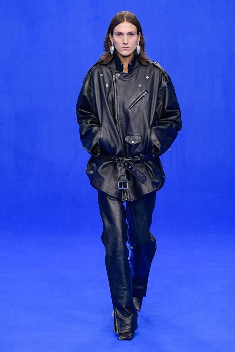 バレンシアガ デムナ・ヴァザリア Balenciaga Spring/Summer 2020 Collection Runway show presentation demna gvasalia track.2 sneaker ss20 womenswear mens paris fashion week shoe footwear
