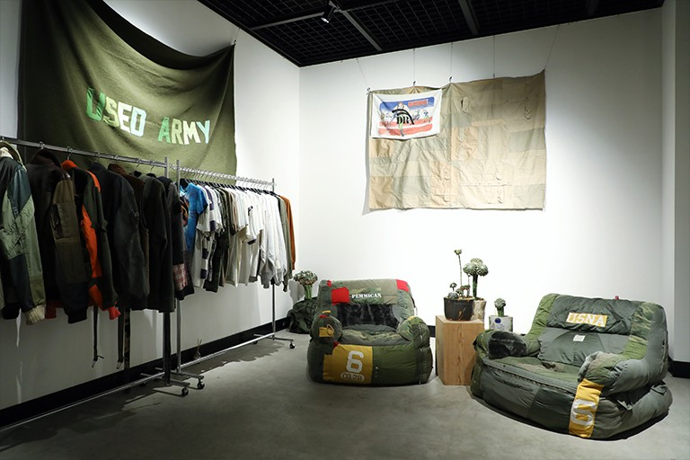 Drx Romanelli ドクターロマネリ pop up ポップアップ tokyo 東京 trunk hotel トランク ホテル サボテン ポップアップharajuku darren romanelli sustainability designer vintage old good remake repurpose products collection pop up cactus interview